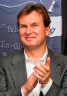 Dr. Sebastian Dewhurst